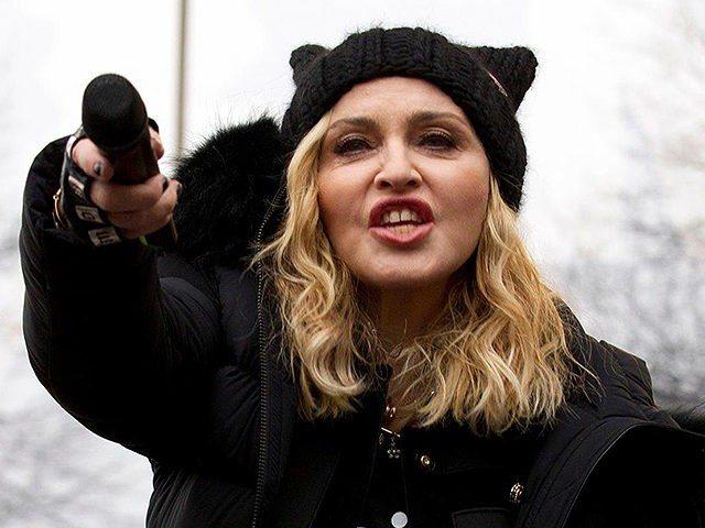Da Madonna a Miley Cyrus, star in marcia contro Trump:
