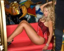 Valeria Marini, pizza da asporto e incontro con l'ex Antonio Brosio