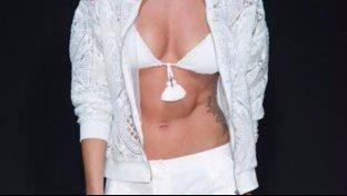 Fede Pellegrini non molla il bikini D'angelo
