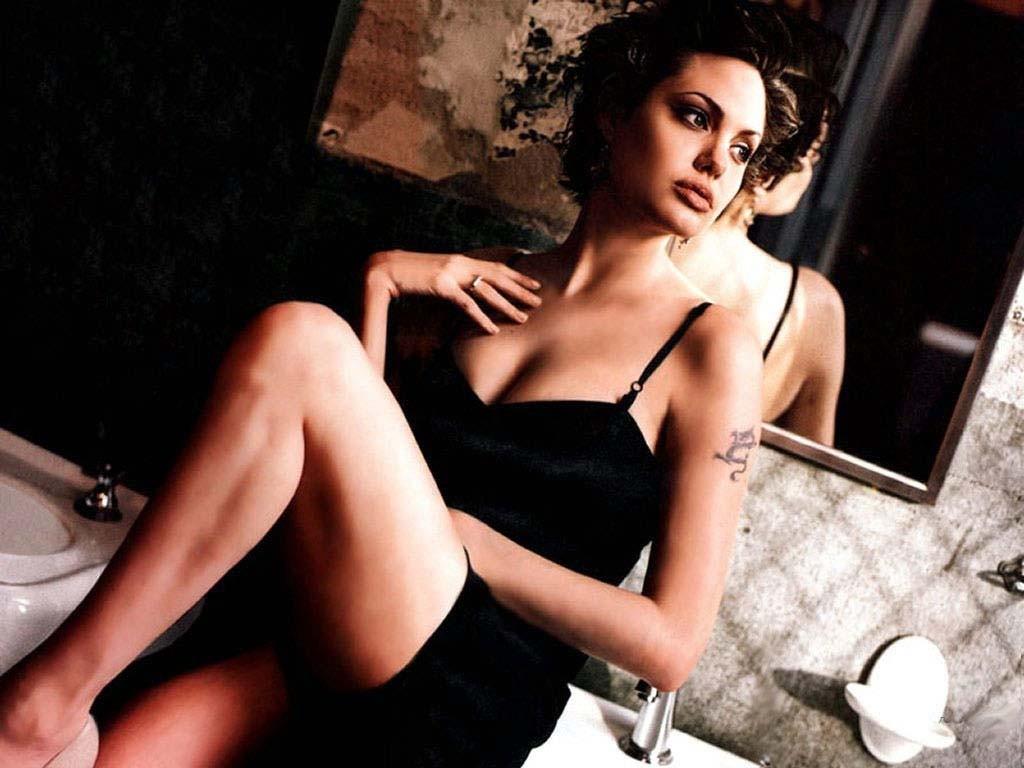 """Angelina Jolie: """"È dura essere sola, ma ciò che conta è la felicità dei miei figli"""""""