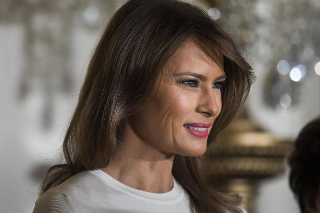Melania Trump e un look caliente per omaggiare il flamenco