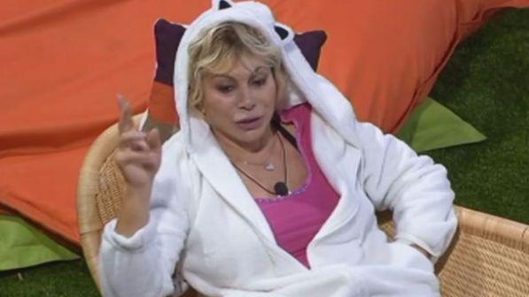 """Grande Fratello Vip, Carmen Russo: """"Con Enzo Paolo non fu un colpo di fulmine"""""""