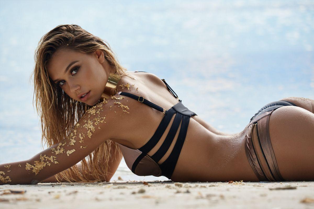 Alexis Ren, da surfista sconosciuta alla copertina di