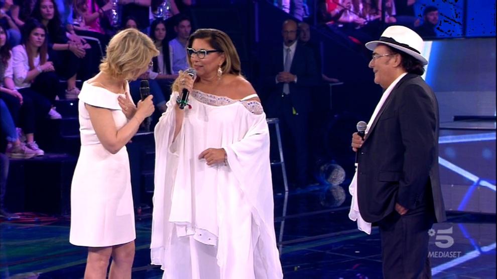 Amici, Al Bano e Romina sul palco. La De Filippi stizzita: «Non ho padroni, ma solo un bravo editore»