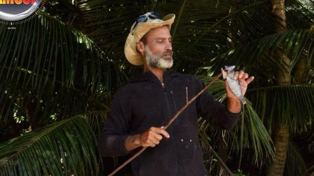 """Isola, Raz Degan choc: """"Tra un po' scatta il cannibalismo..."""". Ecco cosa sta succedendo"""