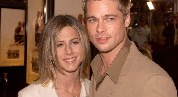 Brad Pitt invita a cena l'ex moglie Jennifer Aniston: ecco cosa le ha risposto...