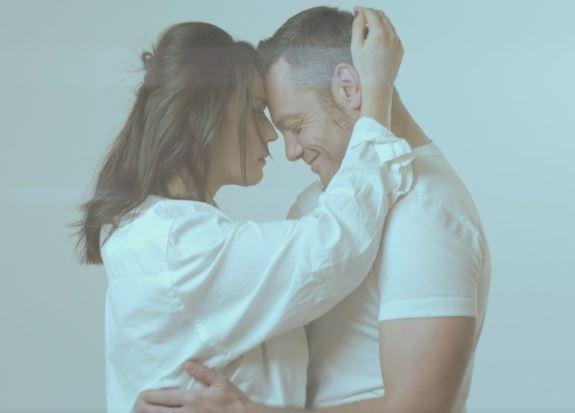 Tiziano Ferro e Carmen Consoli, che abbracci intensi!