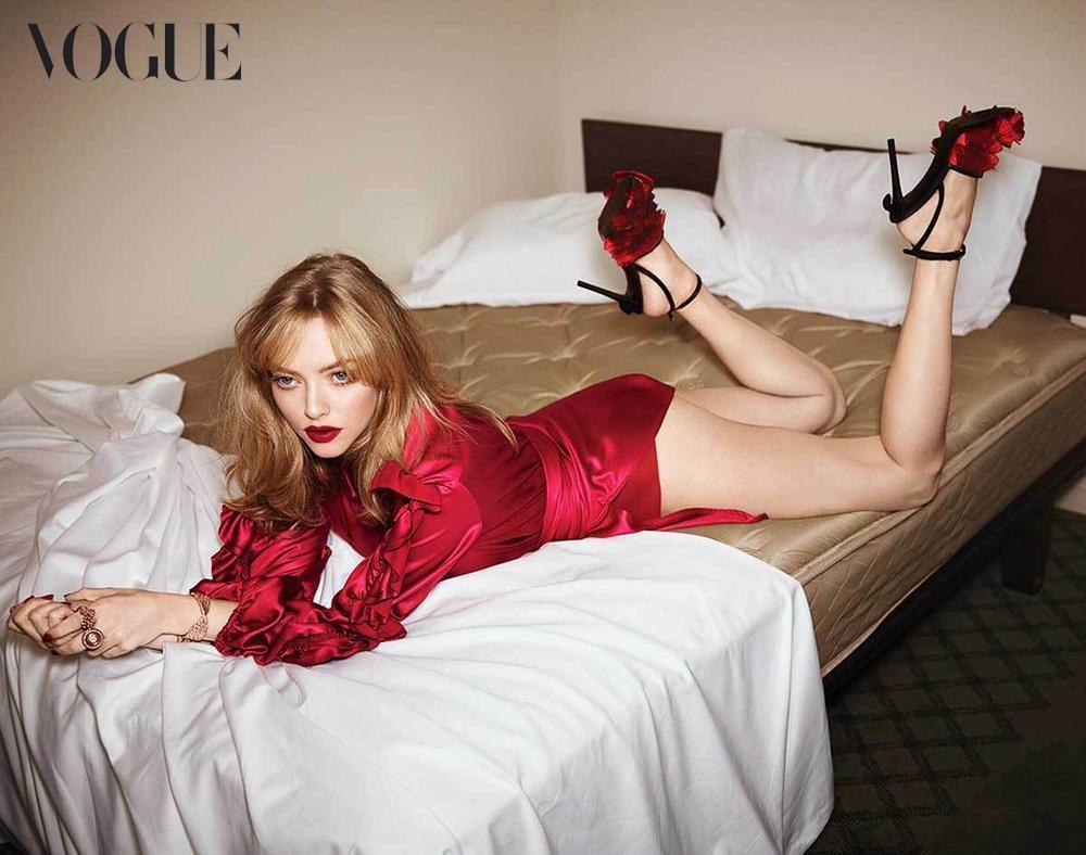 "Amanda Seyfried, una bambolina se. xy per ""Vogue"" Australia"