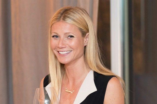 Gwyneth Paltrow, dopo la guida al se. sso a. nale l'ultima follia per curare la depressione