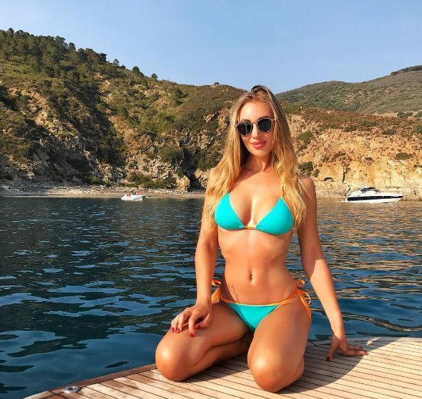 Laura Cremaschi in vacanza è... davvero