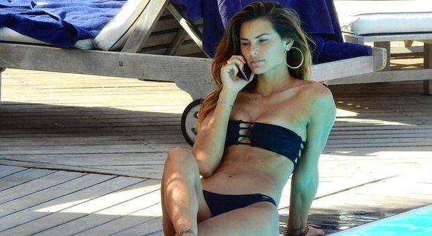 Dayane Mello, curve da urlo al sole di Ischia per la regina del gossip