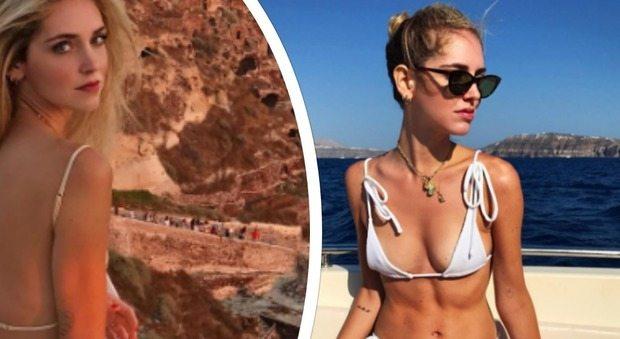 Chiara Ferragni, scatti hot in Grecia. Ma un particolare non sfugge ai fan...