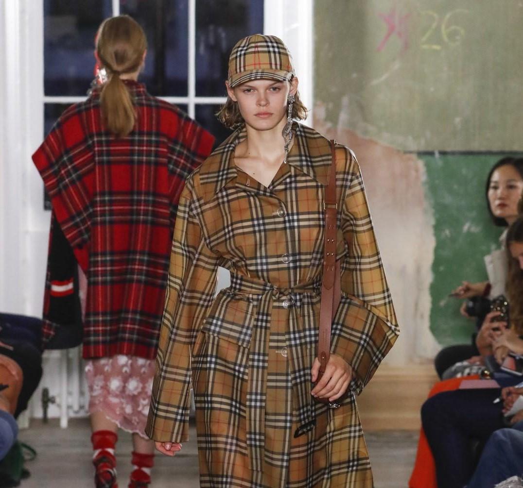 London Fashion Week: la sfilata di Burberry