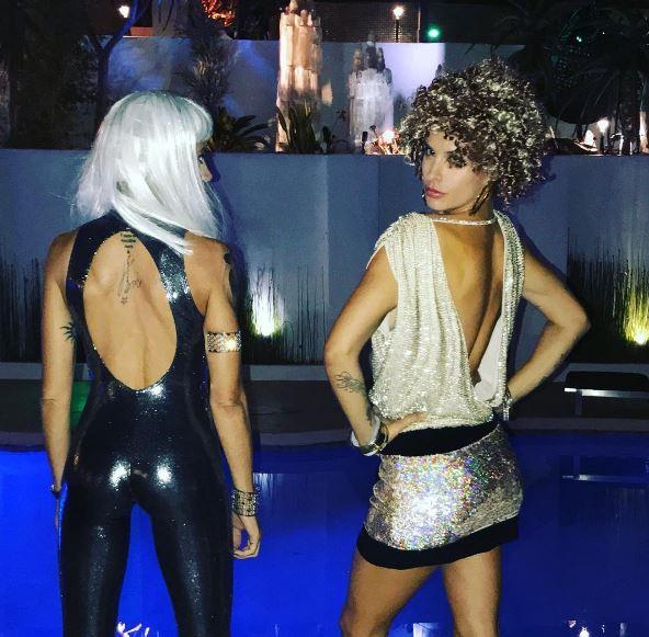 Elisabetta Canalis e Maddalena Corvaglia, ecco lo stacchetto di Halloween