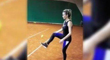 Diletta Leotta show sui campi da tennis: l'allenamento sulla terra rossa è sexy