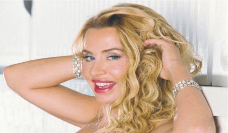 """Valeria Marini e l'incidente domestico:"""""""