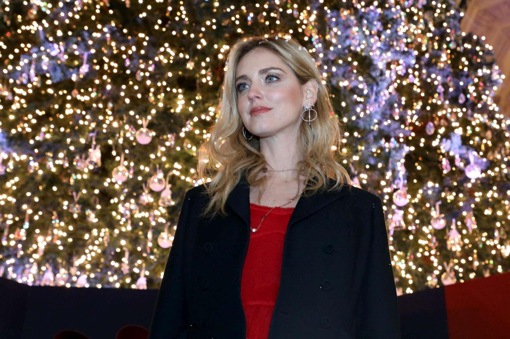 Chiara Ferragni accende l?albero di Natale di Milano