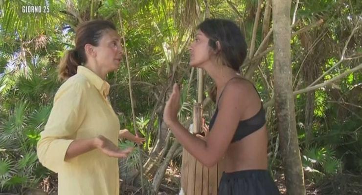 Isola dei Famosi: scintille fra Alessia Mancini e Rosa Perrotta