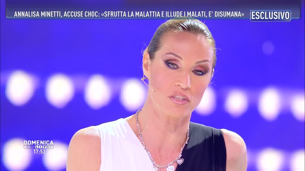 Annalisa Minetti a Domenica Live: «Tornerò a vedere grazie a mia figlia»
