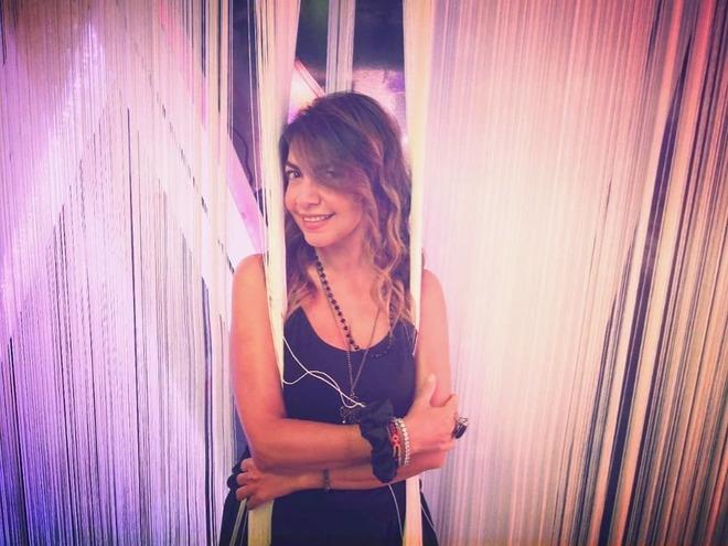 Cristina D'Avena si inventa sexy: provocante su Instagram ma con le solite canzoni