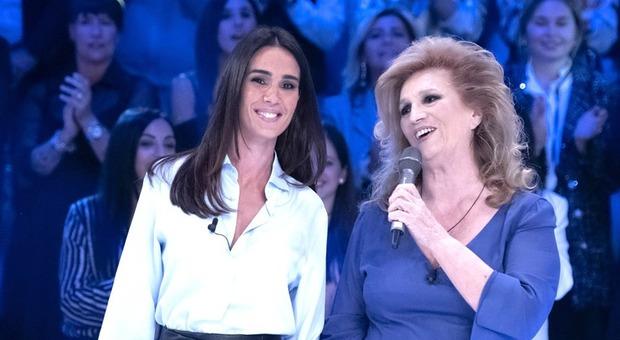 Iva Zanicchi a Verissimo: «Quando sono nata ero bruttina, mio padre si è rifiutato di vedermi»