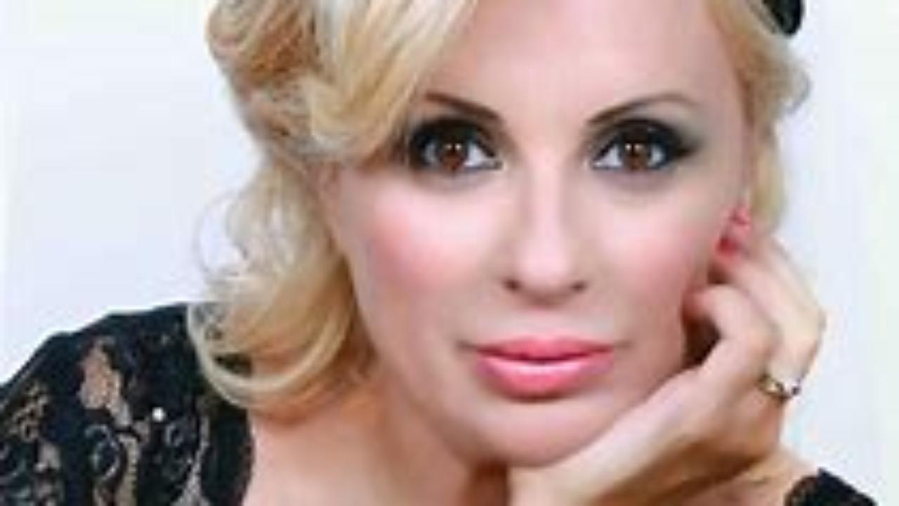 Uomini e donne, Tina Cipollari e la dieta: «Maria De Filippi mi fa sempre i complimenti, ecco quanto ho perso»