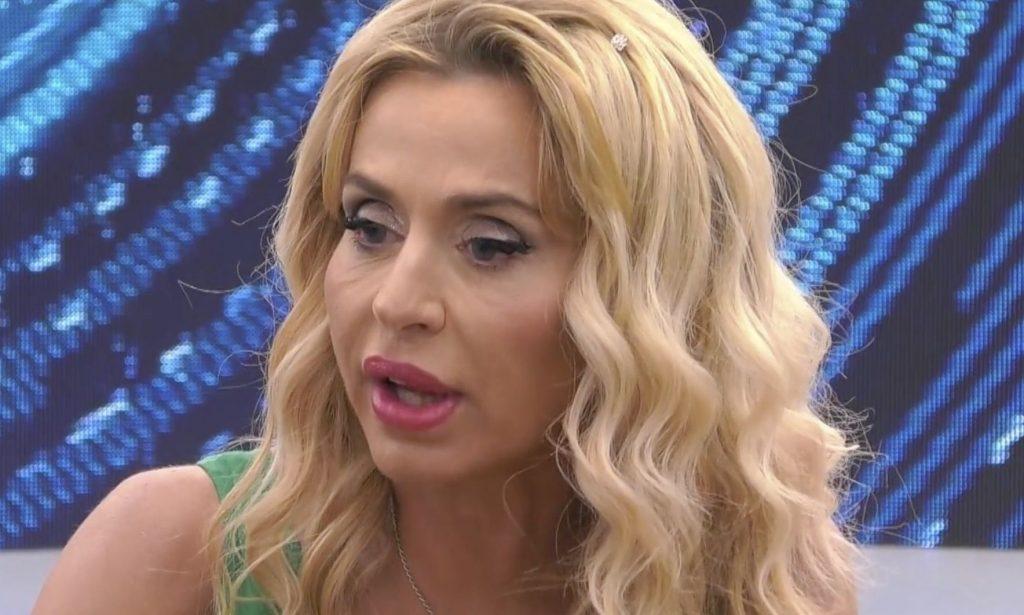 Valeria Marini a Live non è la D'Urso: «La verità sul tampone fatto prima di entrare al Grande Fratello Vip»
