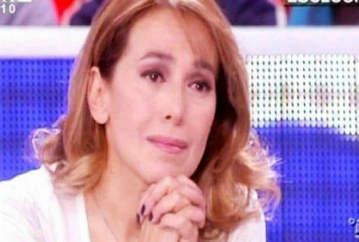 Barbara D'Urso in lacrime in diretta a Pomeriggio 5. «Non lo posso abbracciare...»