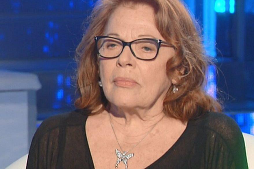 Valeria Fabrizi commossa per il ricordo del marito a Io e Te: «Era il più bello del Quartetto Cetra». Diaco, il gesto straordinario.