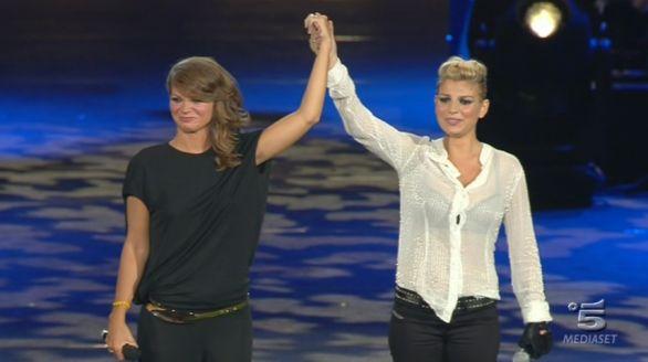 X Factor, la dedica di Alessandra Amoroso per il debutto di Emma: «Porta i tuoi colori e falli splendere»