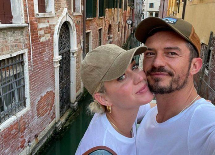 Katy Perry e Orlando Bloom avvistati a Venezia, baci in gondola e amore tra le calli
