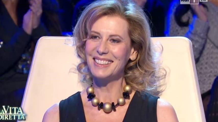 Daniela Poggi, il dramma a Estate in Diretta: «Ho incontrato la malattia, una realtà violenta». Roberta Capua commossa