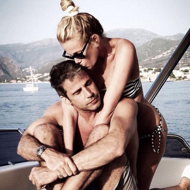 Alessia Marcuzzi in pausa dalla tv: spese di Halloween col marito Paolo Calabresi Marconi