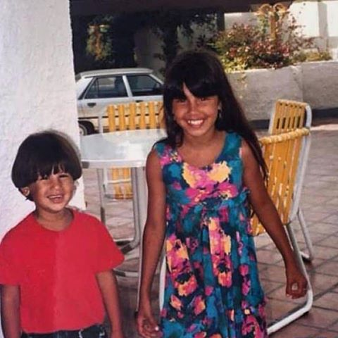 """Belen da bimba e la foto con suo fratello: """"E' uguale a Santiago"""""""