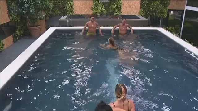 Grande Fratello Vip, sauna e bagni notturni per i