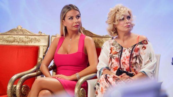 """Maria De Filippi a Sabrina Ghio: """"Non sei cambiata"""""""