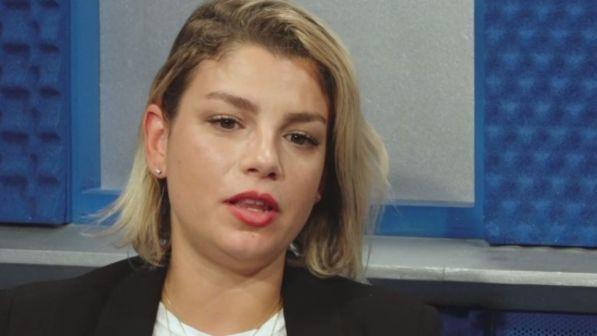 """Emma Marrone, faccia a faccia con il suo hater a """"Le Iene"""""""