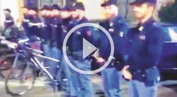 """Barbara D'Urso: """"Che orgoglio il picchetto d'onore per me"""". Ira polizia e lei rimuove il video da Instagram"""