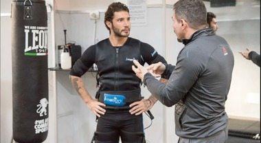 Stefano De Martino, l'allenamento prima dell'Isola dei Famosi