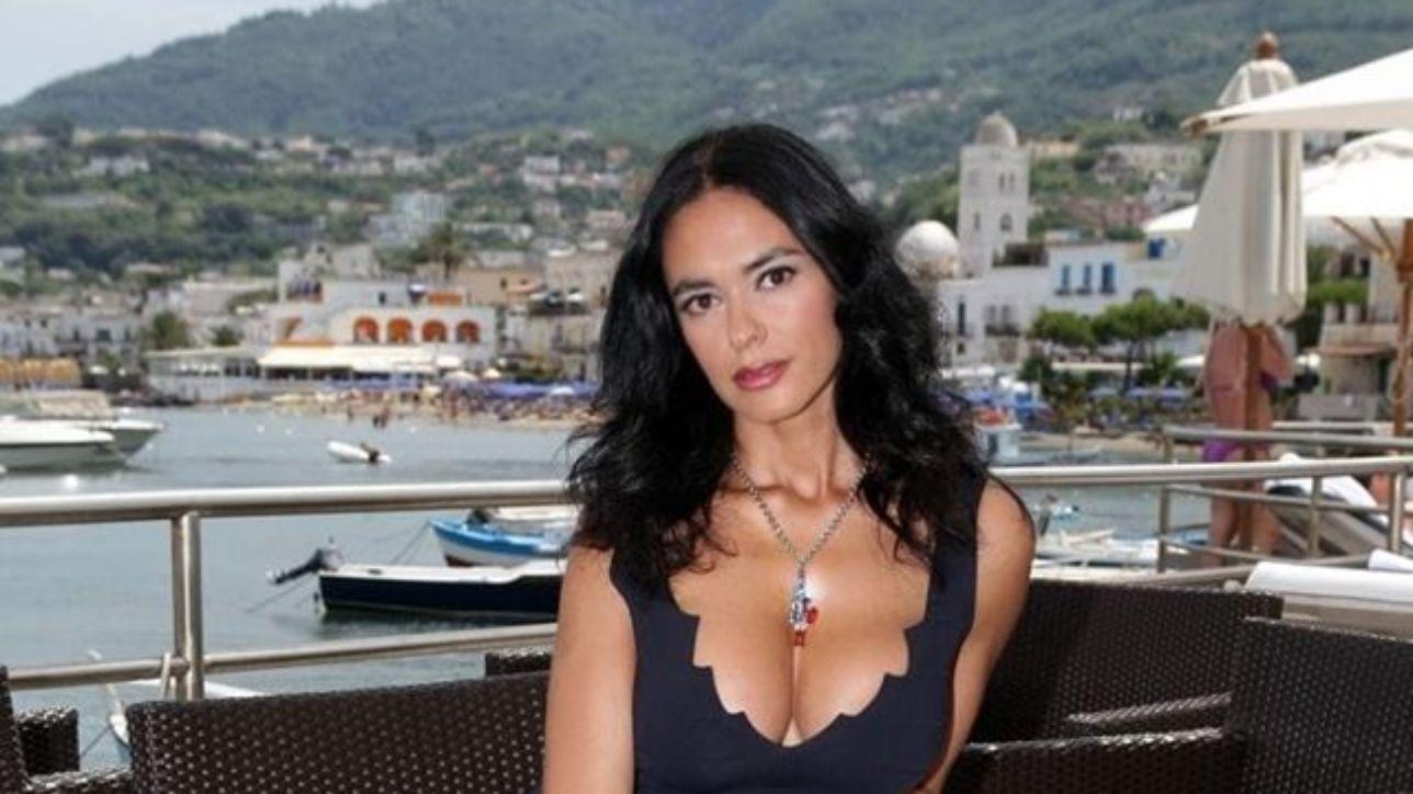 Maria Grazia Cucinotta, gaffe social e i fan la correggono
