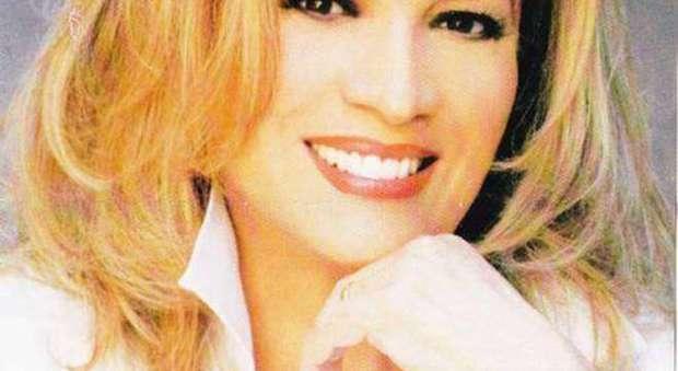Iva Zanicchi operata d'urgenza agli occhi: «Non vedevo più nulla»