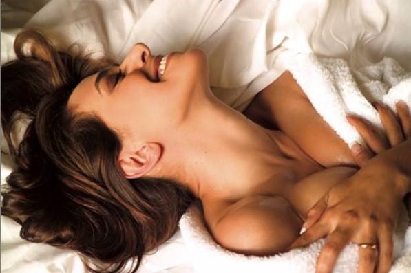 Barbara D'Urso, la foto che fa impazzire l'ex Gf Filippo Nardi: «Nuda sotto...»