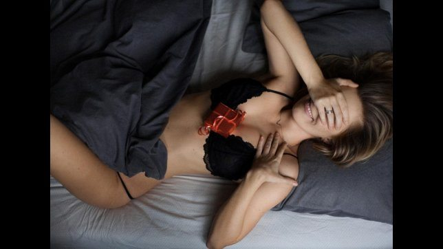 Vip e San Valentino, ecco i migliori messaggi d'amore sui social