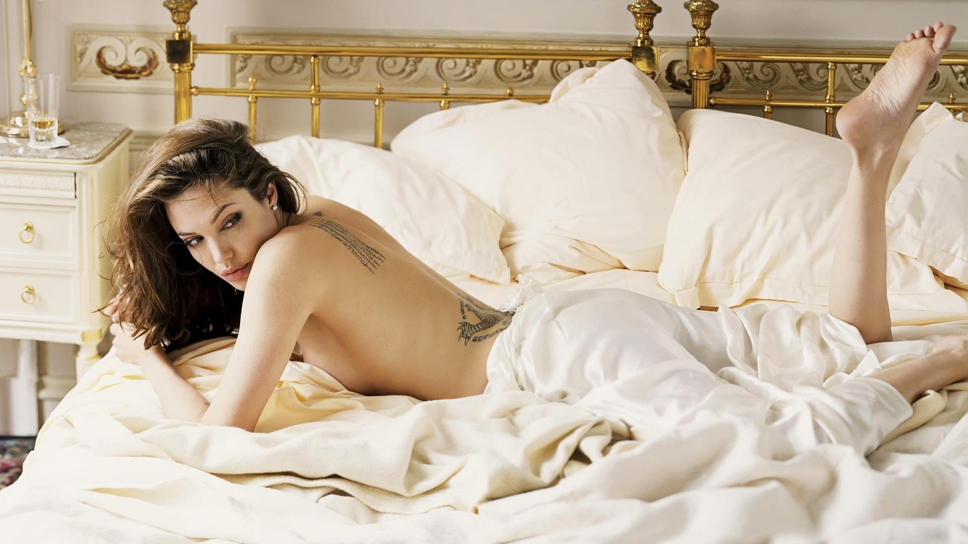 Angelina Jolie torna in pubblico per la prima volta dopo la separazione da Brad Pitt