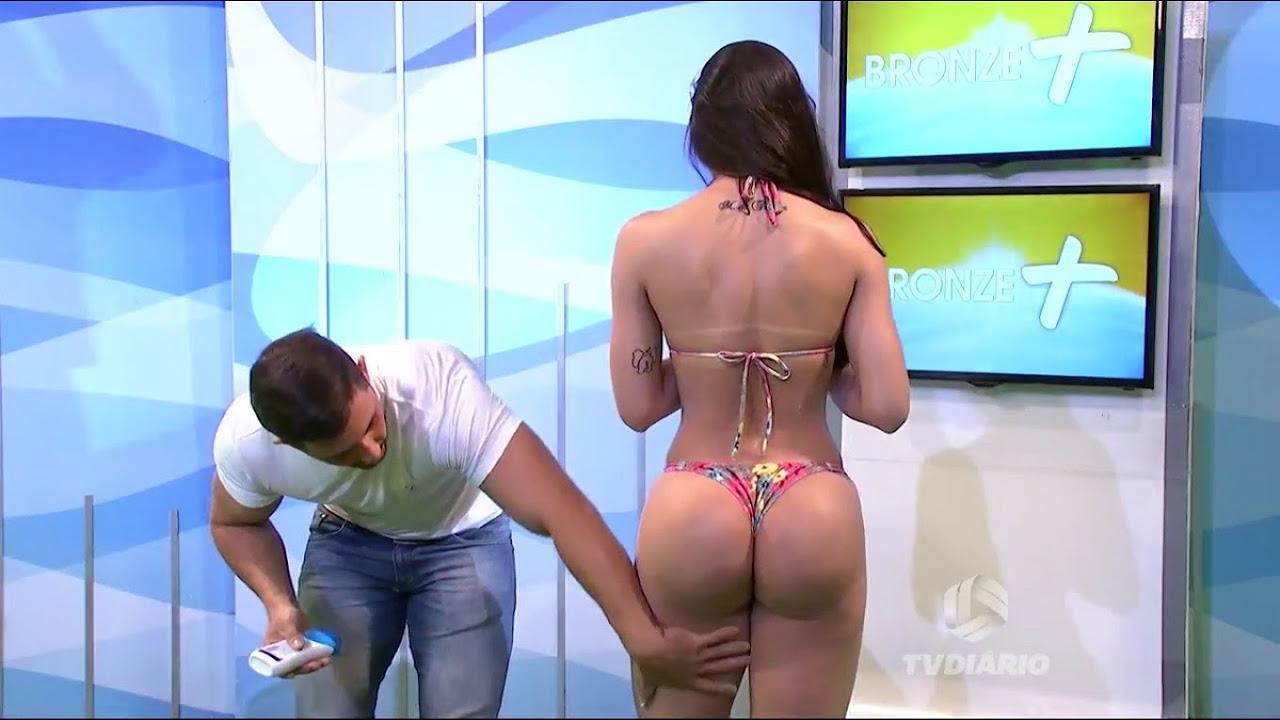 Il massaggio è troppo h.ot, la modella reagisce in diretta TV