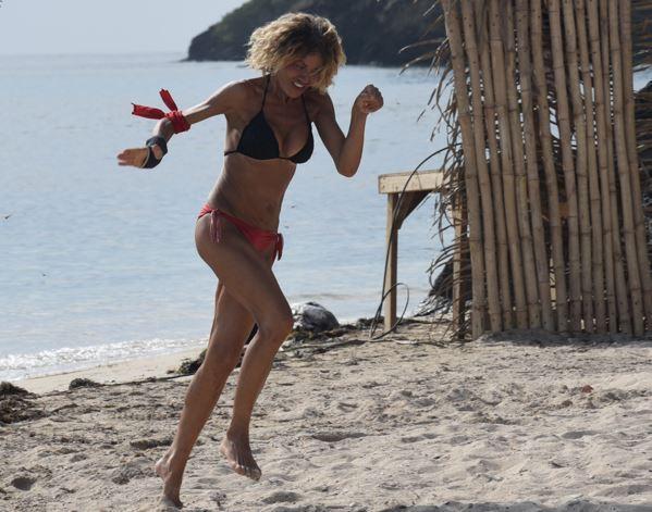 """""""L?isola dei Famosi"""", Eva Grimaldi: """"Io e Milva ci siamo ritrovate"""""""