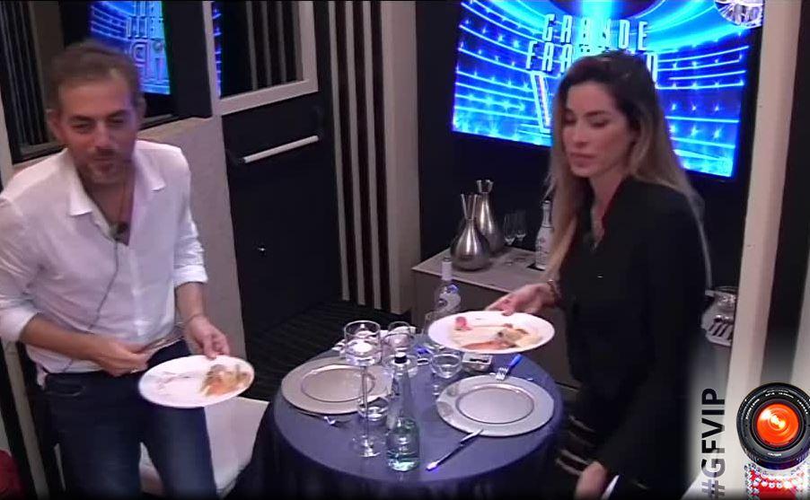 """""""Grande Fratello Vip"""", Daniele Bossari offre una cena galante ad Aida"""