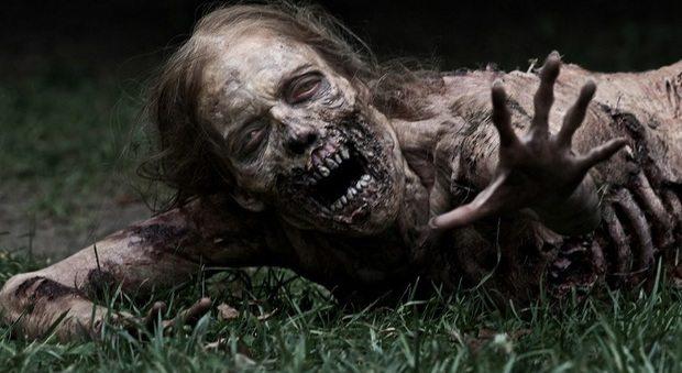 """""""Nessun protocollo per l'invasione degli Zombie"""": la risposta del governo fa il giro del web"""