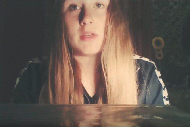 Blue Whale, Maddalena choc in un video: