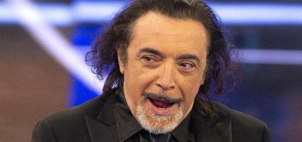Paura per Nino Frassica, malore prima dello spettacolo